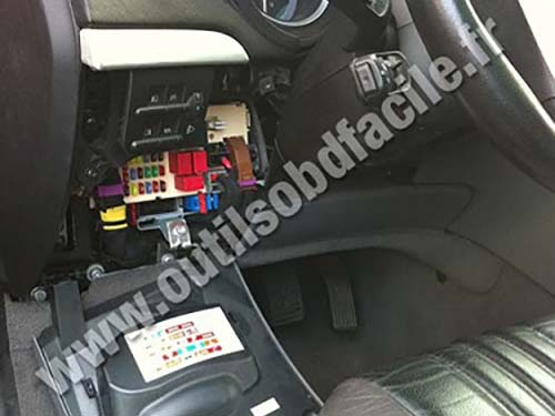 obd2 connector location in alfa romeo brera  2005