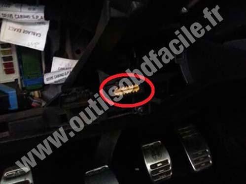 Alfa Romeo Giulietta OBD2 socket