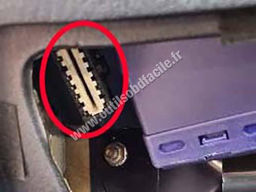 Alfa Rom�o - OBD socket