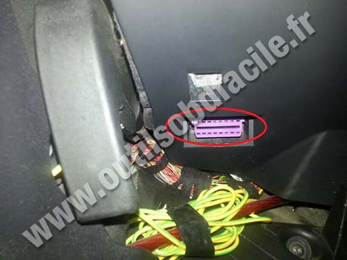Audi A3 OBD2 port