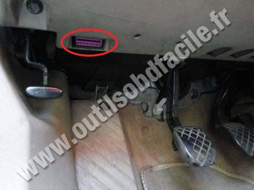 obd2 connector location in audi a6 c5 1997 2004 outils obd facile. Black Bedroom Furniture Sets. Home Design Ideas