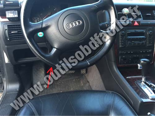 obd2 connector location in audi a8 (d2) (1999 - 2002) - outils obd