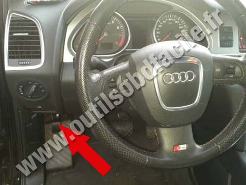 Obd2 Connector Location In Audi Q7 4l 2006 2015