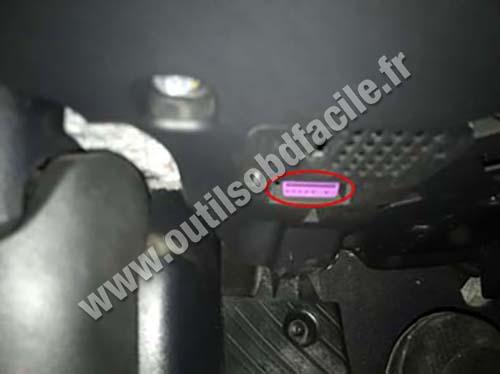 Audi S6 - OBD port