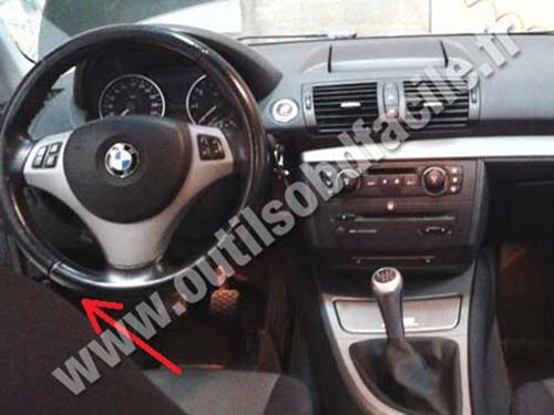 Obd2 Connector Location In Bmw Serie 1 E87 2004 2011