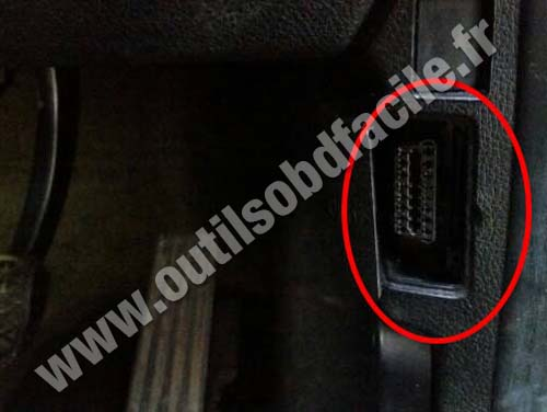 Obd2 Connector Location In Bmw Serie 1 F20 2011 2015