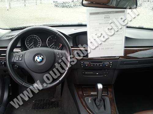 Obd2 Connector Location In Bmw Serie 3 E90 2004 2011