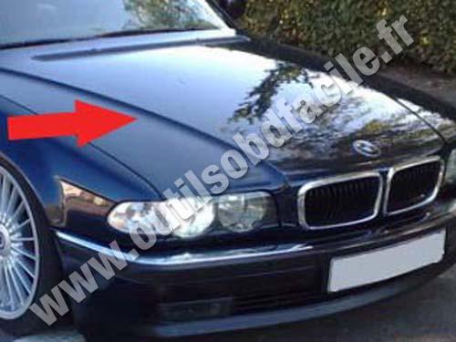 BMW Serie 7 E38 - Hood