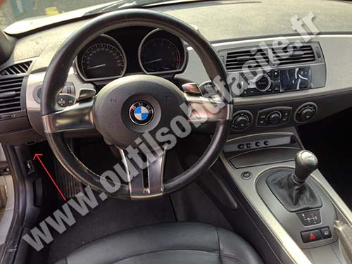Obd2 Connector Location In Bmw Z4 E85 2003 2009
