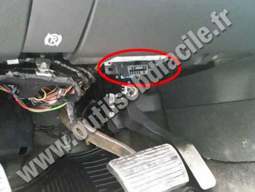 Obd2 Connector Location In Cadillac Escalade 2006 2014