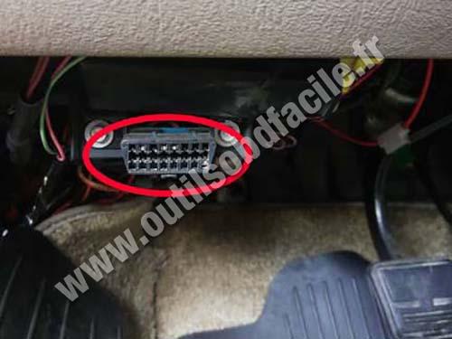 Chevrolet Astro - OBD port