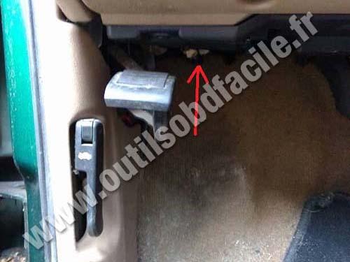 Chevrolet Blazer clutch pedal handbrake