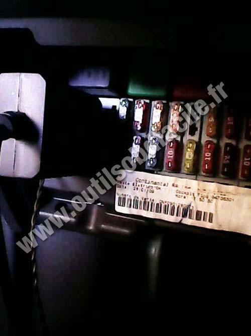 OBD2 connector location in Chevrolet Celta (2006 - 2012 ...