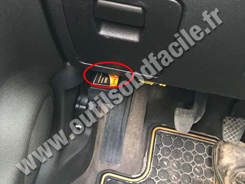 Chevrolet Cobalt - OBD connector