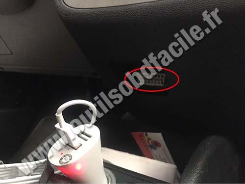 Chevrolet Corsa OBD II socket