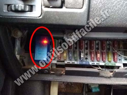 Chevrolet Corsa Wind - OBD port