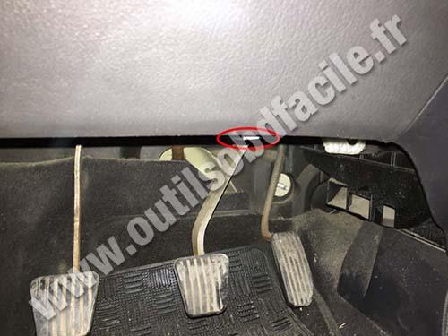 Chevrolet Kalos - OBD II plug