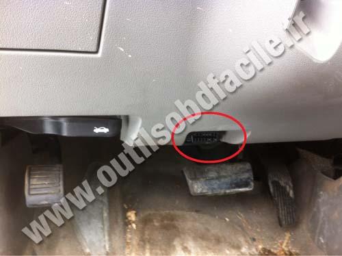 Chevrolet Malibu Pedal Brake Obd Plug on Car Tracker Obd