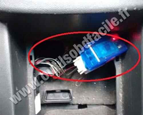 Chevrolet Meriva A Central Storage Compartment Obd Port