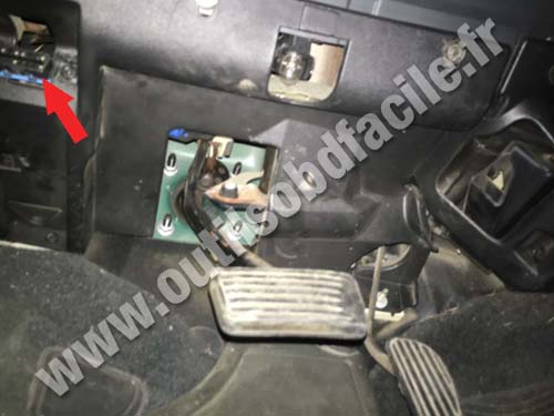 OBD2 connector location in Chevrolet S-10 (1994 - 2004 ...