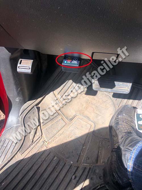 Chevrolet Silverado - OBD socket