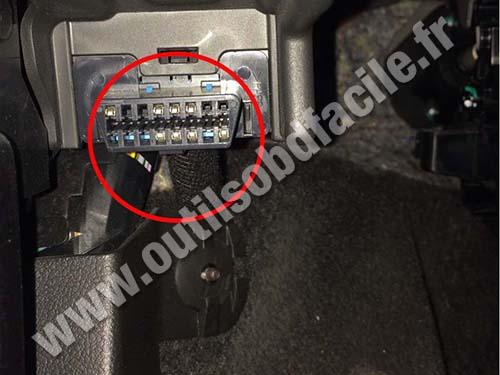 Chevrolet Trax Obd Connector on 2003 Chevy Malibu Engine