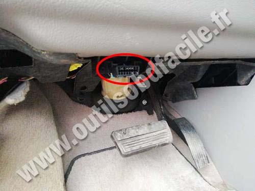 Chevrolet Uplander - OBD port