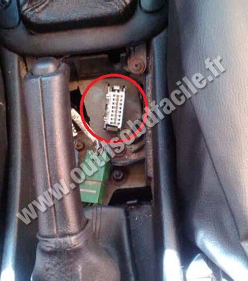 Chevrolet Vectra B OBD2 plug