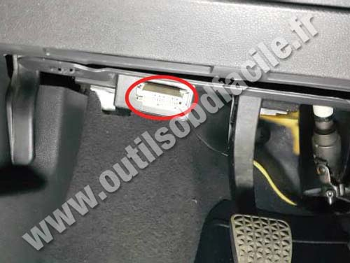 Chevrolet Vectra C - OBD2 Connector