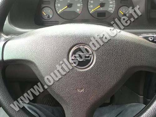 Chevrolet Zafira B Steering wheel