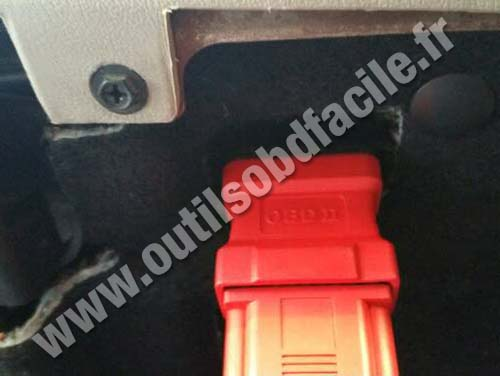 Obd2 Connector Location In Chrysler 300c 2003 2010