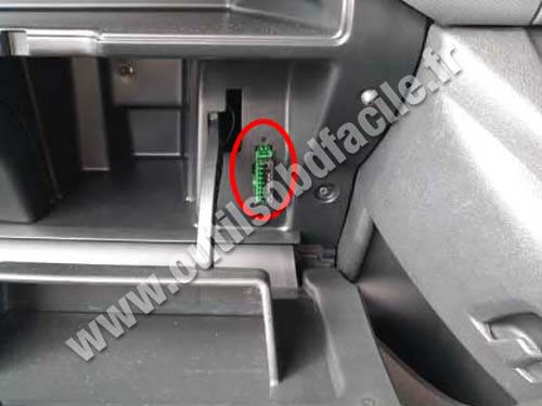 Citroen Berlingo - OBD port