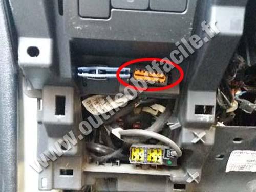 Citroen C3 Aircross - OBD plug