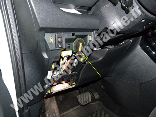 citroen c3 picasso socket connector obd2 diagnostic obd2 connector location in citroen c3 picasso (2008 citroen c3 2011 fuse box at creativeand.co