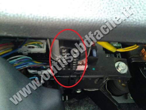Citroen C4 Aircross OBD 2 socket