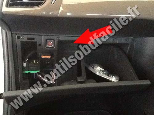 obd2 connector location in citroen ds3 rhd 2010 outils obd facile. Black Bedroom Furniture Sets. Home Design Ideas
