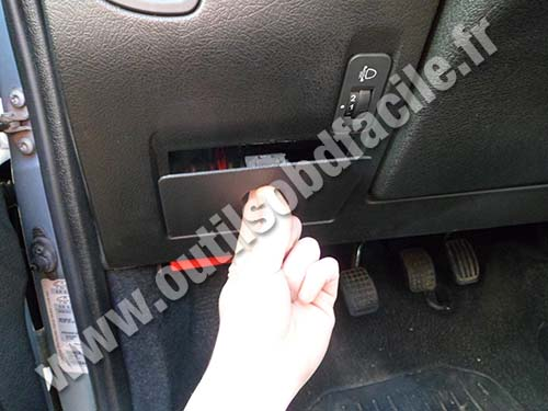 Citroen Saxo Fuse box cover