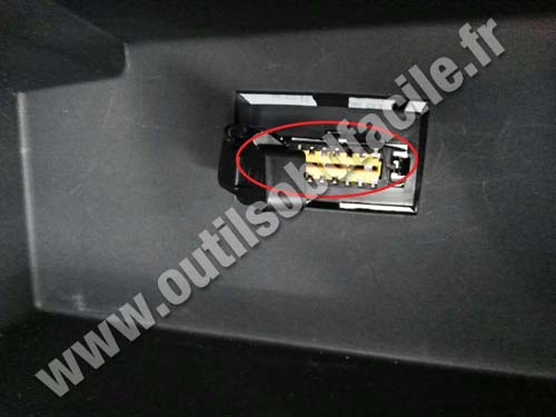 Dacia Sandero 2 - OBD Connector