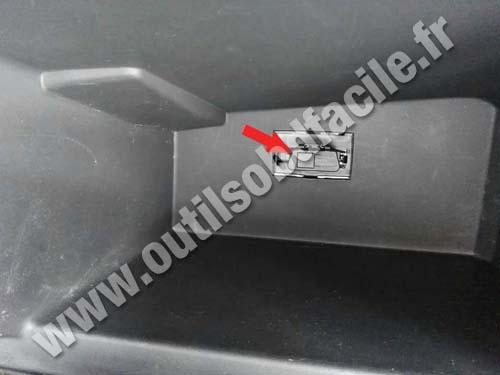 Dacia Sandero 2 - Glove box