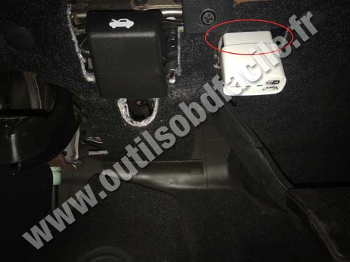 Dodge Charger 6 OBD II plug