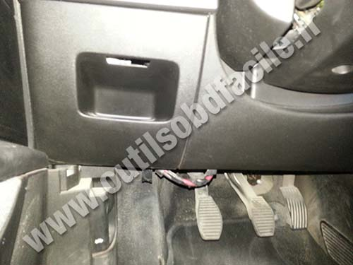 Fuse Box In Fiat Punto : Obd connector location in fiat grande punto