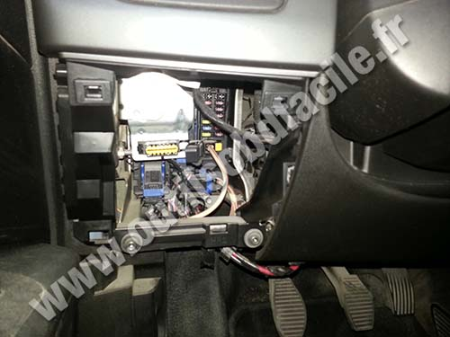 obd2 connector location in fiat grande punto  2005