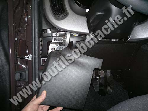Obd2 Connector Location In Fiat Panda 3 2012 Outils