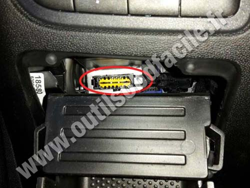 Fiat Punto 3 - OBD Connector