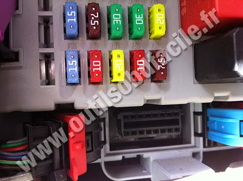 Fiat Punto 3 OBD connector