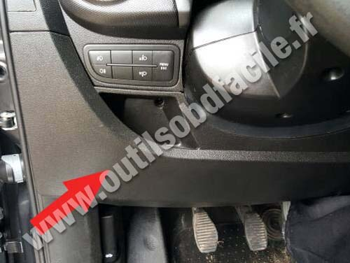 Fiat Qubo - Under Steering wheel