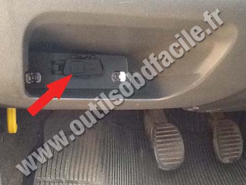 Fiat Uno - Connector cover