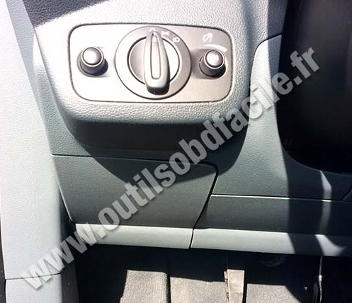 Obd2 Connector Location In Ford C Max Ii 2010