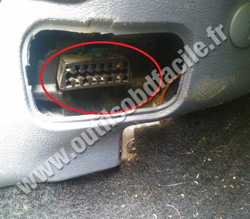 Ford Courier OBD2 plug