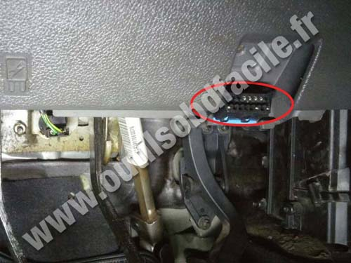 Ford Ecosport - OBD2 socket